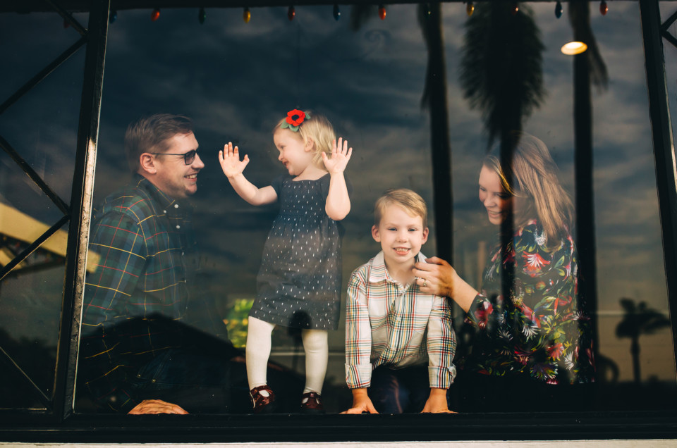 How to Cherish Your Loved Ones With a Family Photographer